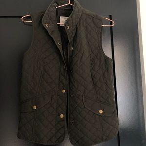 Bass military green women's vest